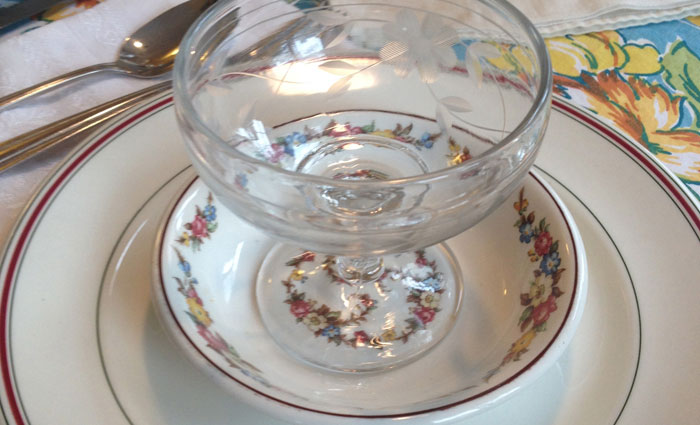 Vintage-Restaurant-Dishes-Detail